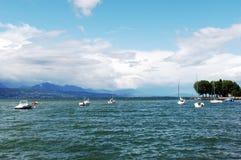 De Boten van het meer en van het Zeil Royalty-vrije Stock Afbeeldingen