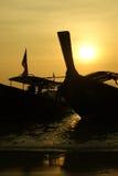 De boten van Longtail bij zonsondergang, Railey strand, Thailand Royalty-vrije Stock Foto