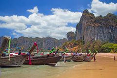 De boten van Longtail, Thailand Stock Afbeeldingen