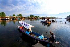 De boten van Shikara Stock Afbeelding