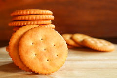 De boteropstelling van de koekjescracker op houten achtergrond Royalty-vrije Stock Afbeelding