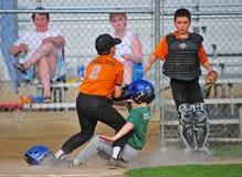 De botsing van het honkbal thuis Stock Fotografie