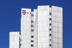 De bouw en het bureau van Deutsche Telekom in Keulen stock foto's