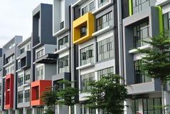 De bouw façade ontwerp met patroon en kleuren Stock Afbeeldingen