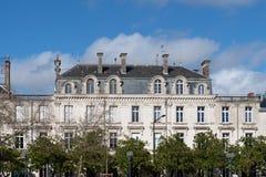 De bouw het dateren van de 19de eeuw in het centrum van de stad van Angers royalty-vrije stock foto