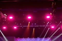 De bouw licht pari van de prestaties bewegend verlichting stock foto