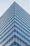 De bouw met meerdere verdiepingen Stock Foto's