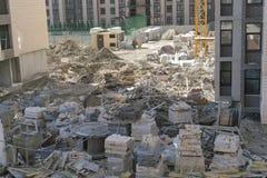 De bouw met meerdere verdiepingen Bouw van woningbouw met meerdere verdiepingen royalty-vrije stock fotografie
