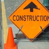 De bouw ondertekent vooruit Stock Foto's