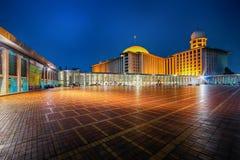 De bouw, stad, moskee, kromme, verering, Djakarta stock foto's