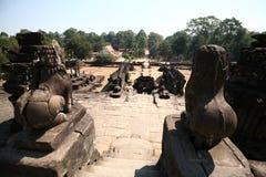 De bouw van Angkor-Tempels--Bakong Wat, Kambodja Stock Afbeelding