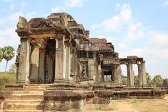 De bouw van Angkor Wat in de ochtend, Kambodja Royalty-vrije Stock Foto's