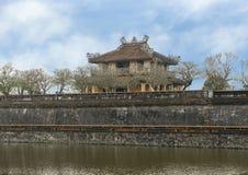 De bouw van binnen de van buiten gezien Citadel, de Citadel over het omringt gracht, Tint, Vietnam royalty-vrije stock foto