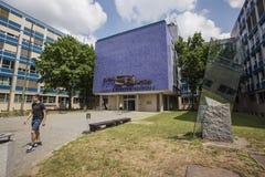 De bouw van CVUT, Faculteit van Elektrotechniek stock foto