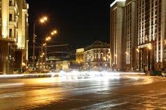 De bouw van de Douma van de Staat van de Federale Assemblage van Russische Federatie (bij nacht) moskou Stock Afbeelding