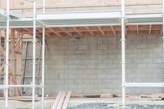 De bouw van de garage in een privé huis Royalty-vrije Stock Afbeeldingen