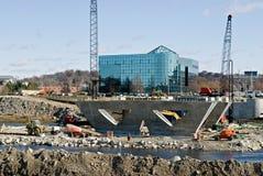De Bouw van de rivieroever Stock Foto