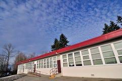 De bouw van de school in de winter Stock Afbeelding