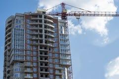 De bouw van een losgemaakt high-rise gebouw royalty-vrije stock fotografie