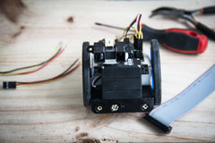 De bouw van een robot op wielen stock fotografie