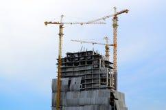 De bouw van een toren stock foto's