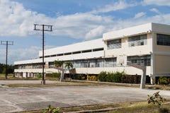 De bouw van de Faculteit van de Fysieke Cultuur en de Sporten van de Universiteit in Holguin, Cu royalty-vrije stock fotografie