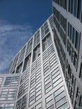 De bouw van het bureau in bedrijfsdistrict Royalty-vrije Stock Afbeeldingen