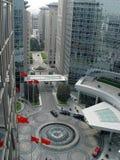 De bouw van het bureau en commercieel centrum Stock Foto