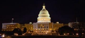 De Bouw van het Capitool bij Nacht, Washington DC royalty-vrije stock afbeeldingen