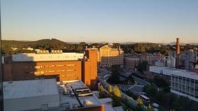De bouw van het Charlottesville va ziekenhuis stock foto