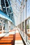 De bouw van het metaal op de brug Royalty-vrije Stock Fotografie