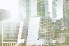 De bouw van het wolkenkrabberbureau complexe de stad van Moskou Dit is een 3D teruggegeven beeld De architectuurachtergrond van d Royalty-vrije Stock Foto's