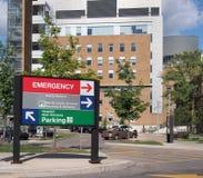 De bouw van het ziekenhuis stock afbeeldingen
