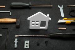 De bouw van de huismoeilijke situatie, het concept van de huisreparatie royalty-vrije stock foto