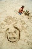 De bouw van kasteel in het zand royalty-vrije stock foto