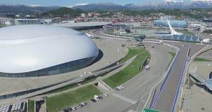 De Bouw van SOTCHI, RUSLAND van Bolshoy-Ijskoepel in Sotchi, Rusland voor de Winterolympische spelen 2014 Het Paleis van het Bols stock video