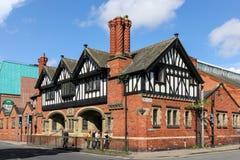 De bouw van Tudor in de straat van het Bad. Chester. Engeland Stock Foto's