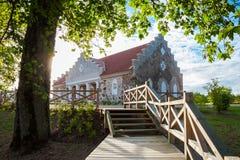 De bouw van Turaida-parochietijdschrift dichtbij Sigulda, Letland stock fotografie