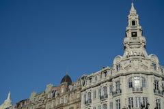 De bouw van voorgevel in Porto, Portugal royalty-vrije stock afbeeldingen