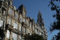 De bouw van voorgevel in Porto, Portugal royalty-vrije stock foto's