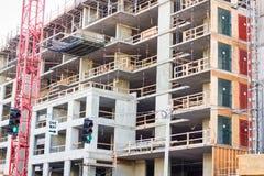 De bouw wordt voortgebouwd bij de landontwikkeling Stock Foto