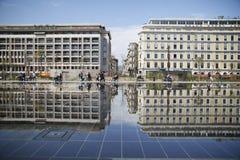 de bouwbezinning in water gegeven plaatszuiden van Frankrijk Royalty-vrije Stock Afbeelding