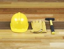 De bouwvakker en de handschoenen van de hamer Royalty-vrije Stock Foto's