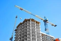 De bouwwerf van de kraan en highrise Royalty-vrije Stock Foto's