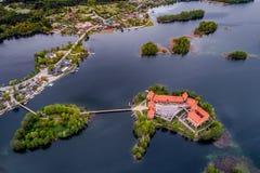 De bovenkant bezocht Litouwse plaatsen, Trakai, luchtfoto royalty-vrije stock foto's