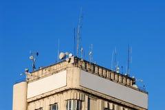 De bovenkant van Bulding met lege aanplakborden Royalty-vrije Stock Afbeelding