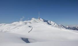 De Bovenkant van het de winterlandschap van Dobratsch Stock Afbeeldingen