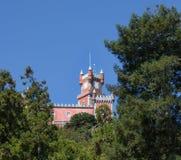 De bovenkant van het Nationale Paleis van koningenpena in Sintra, Portugal royalty-vrije stock foto's