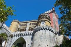 De bovenkant van het Nationale Paleis van Pena in Sintra, Portuga royalty-vrije stock fotografie