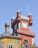 De bovenkant van het Nationale Paleis van Pena in Sintra, Portugal royalty-vrije stock afbeelding
